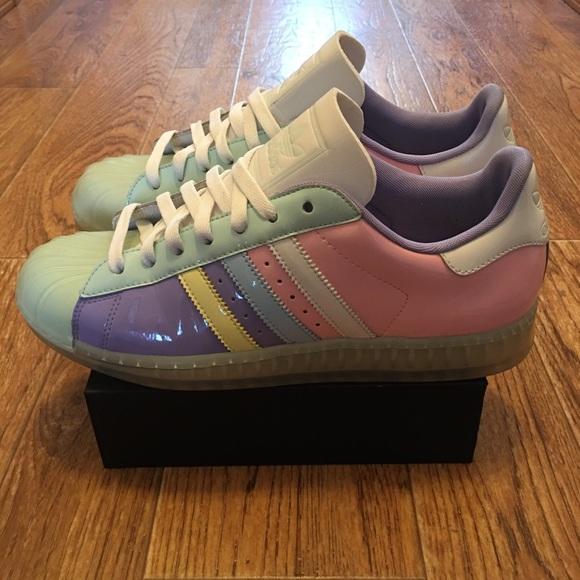 Adidas zapatos de charol poshmark pastel Shell Toe hombre